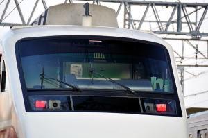 業平橋駅にある車両基地で待機している200系車両