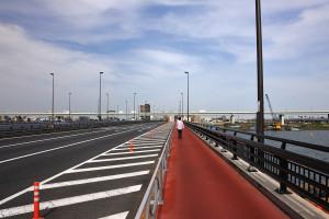 京葉道路は上り車線を新小松川橋に分けたのでゆったりとしている