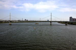 新小松川橋から首都高の荒川大橋を見ると第三豆丸