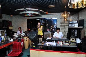 7月16日のBOTTON CLUBのゲストは西村麻里さんと下嶋竜介さん