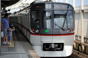 青砥駅止まりの浅草線5300形車両