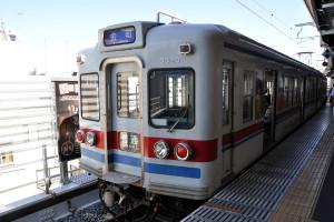 京成線高砂駅から金町行き電車に乗る