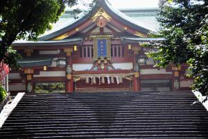 山王男坂(表参道)に神門の影