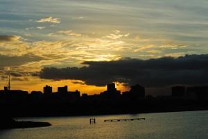 江戸川水門近くで見る夕陽