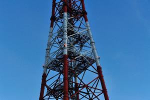 水門脇の鉄塔