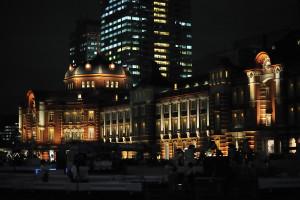 東京駅丸の内北口と中央口