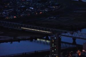 京成電車を映す江戸川