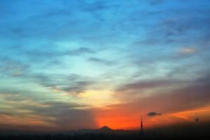 市川市アイリンクタウン展望台から眺める富士山とスカイツリー