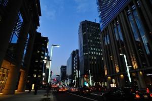 三井タワー前