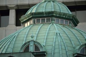 夕陽が当たる日本銀行その一