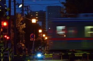 葛飾八幡の参道と京成本線