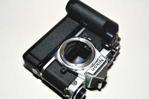 Nikon FE + MD-12